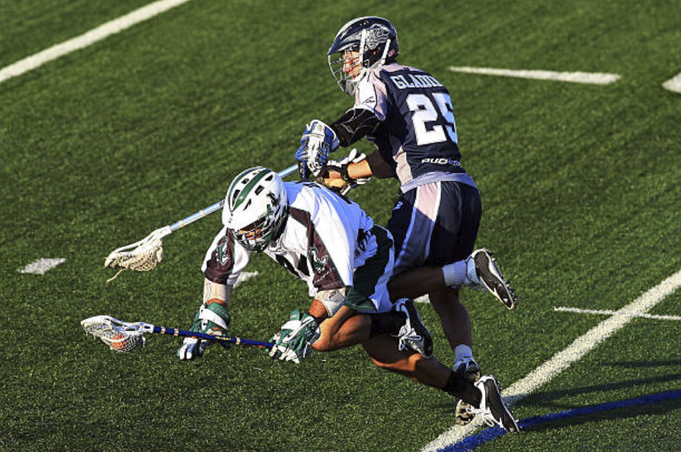 lacrosse-game-featuring-player-Billy-Glading-on-field