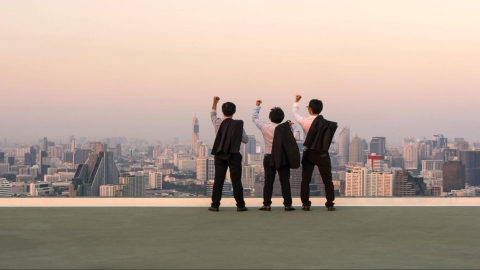 5 Ways to Turn Your Internship Into a Job